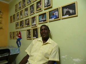 Juan Antonio Madrazo, Coordinador Nacional del CIR en su domicilio, sede de la organización.