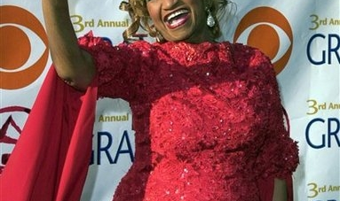 "Celia Cruz sigue censurada en Cuba ""por aliarse al enemigo"""