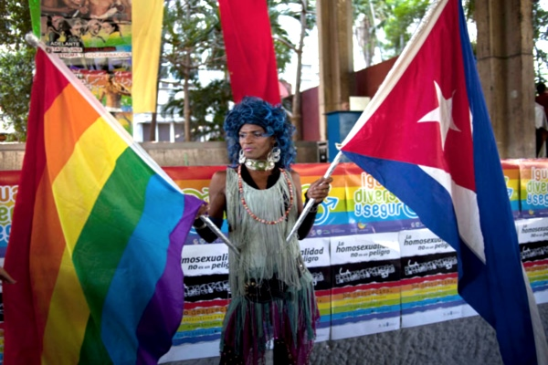 gay bandera cubana y gay