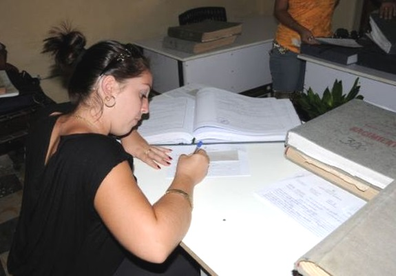Oficina de Registro Civil en Cuba (escambray.cu)