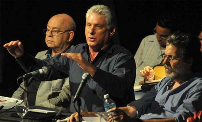 """Díaz-Canel: """"habrá presidentes en Cuba siempre defendiendo la Revolución"""""""
