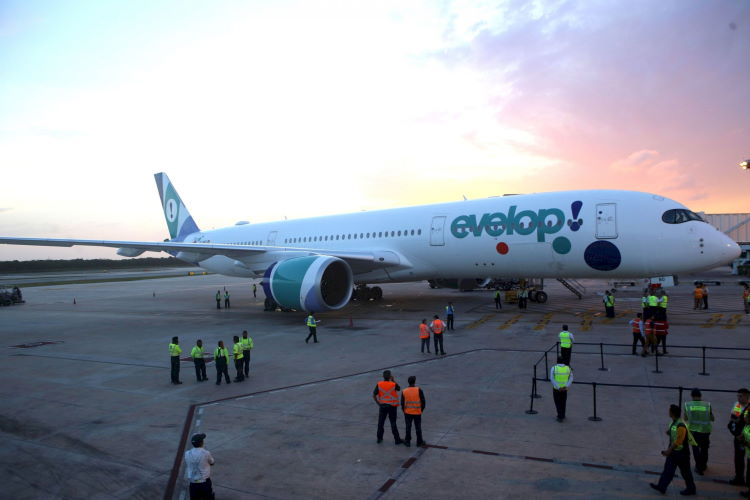 Evelop Airlines, Cuba, Turismo