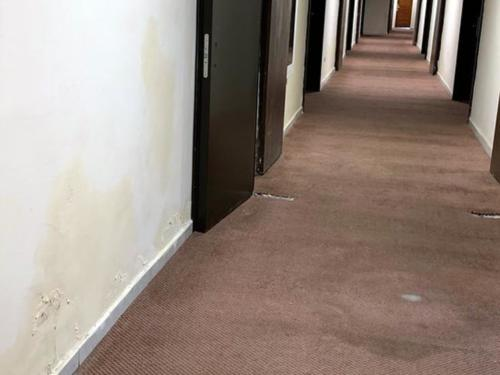 Moisture damage in the hallways is evident (Credit: CubaNet)